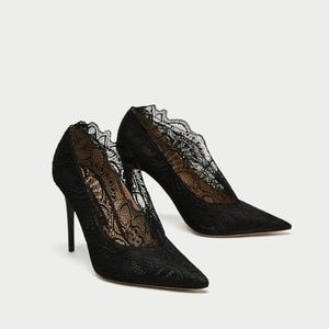 NWT HIGH HEEL LACE COURT SHOES 9